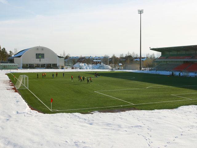 Кабельный обогрев футбольных полей